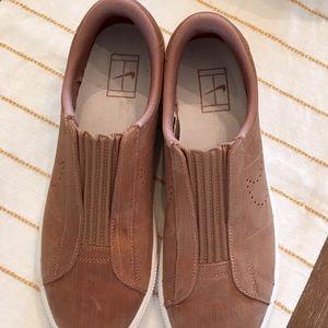 Nike Shoes - Nike Classic EZ Slip on Tennis Shoe Dusted Clay8.5